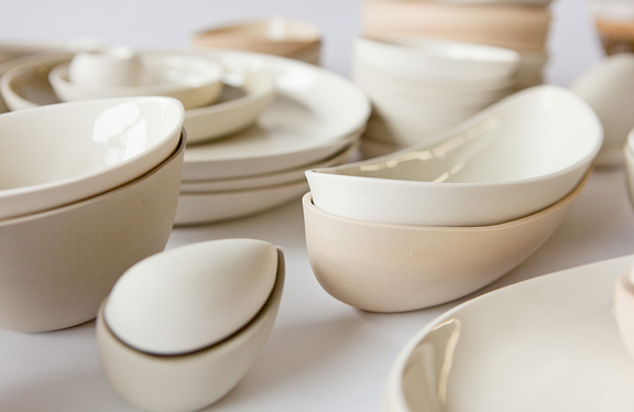White plates, bowls and saucers