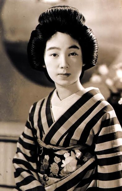 Portrait of Geisha in black and white